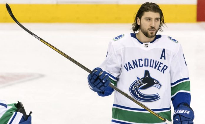 Chris Tanev connected to the Toronto Maple Leafs